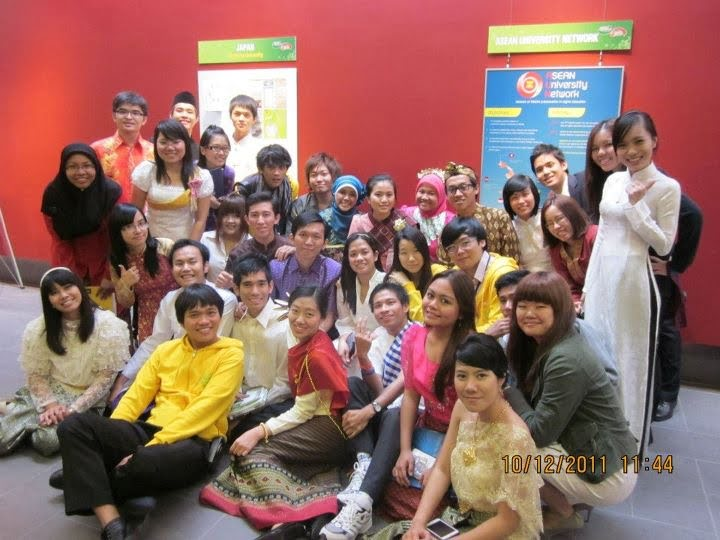 ASEAN students at Higher Education Exhibition
